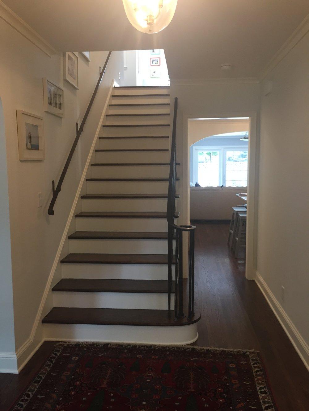 4-stairskitchen.JPG