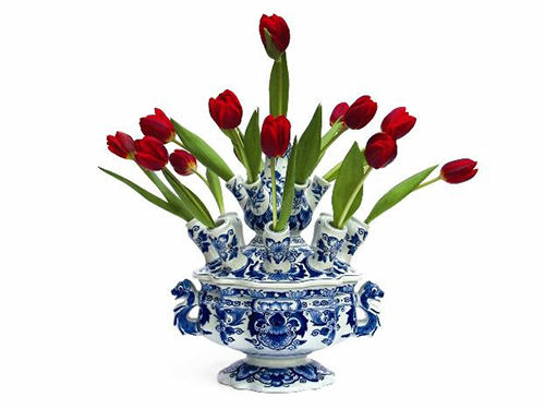 Tulip vase crafted bu the Dutch