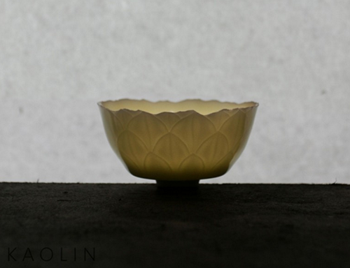 Porcelain teacup by ceramic artist Dong Quanbin. Photo from www.kaolin.org