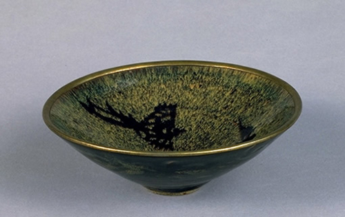 Tea Bowl with A Long-tailed bird, Southern Song Dynasty (1127-1279), Jian tea bowl, Kyoto National Museum