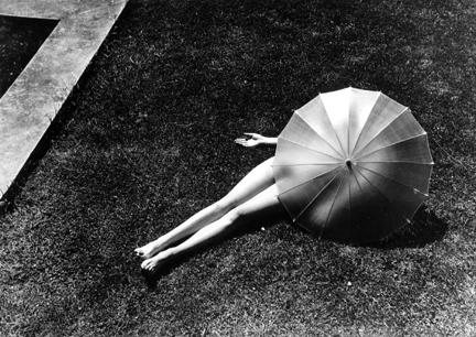Nude with Parasol, Harper's Bazaar 27/40, 1935, Martine Mankasci