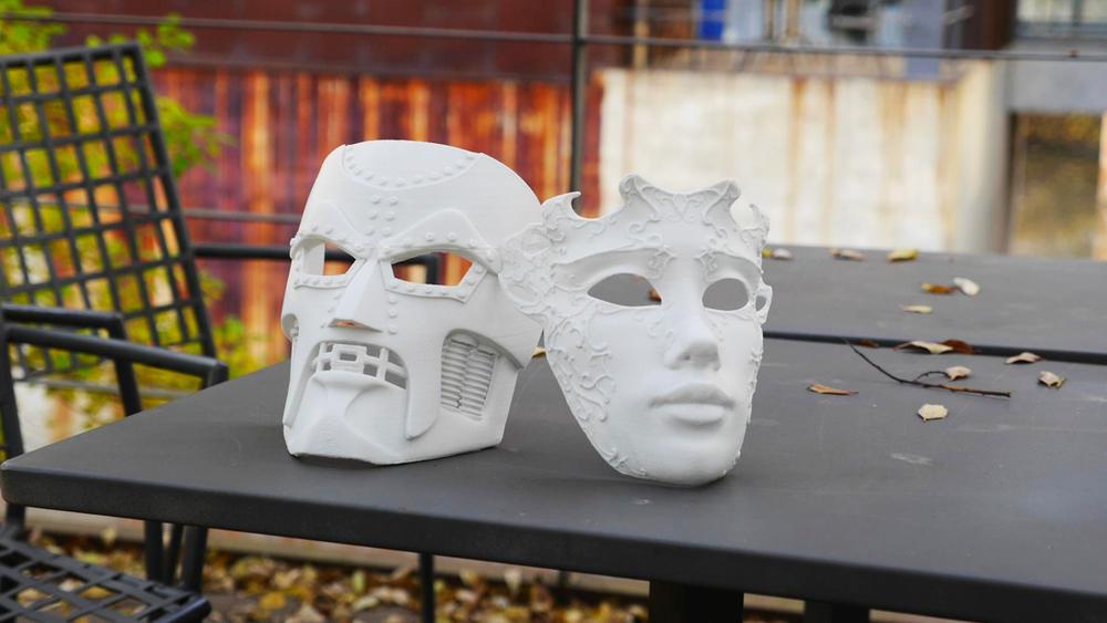 Dr. DOOM Mask &   Venetian Mask   높이: 20cm / 적층: 0.2mm / 출력12시간 30분  / 단일 파트로 출력