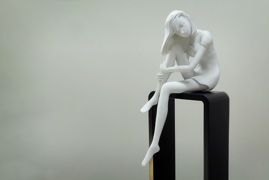 Sitting girl  높이 40cm