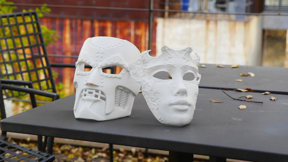 Dr.DOOM Mask & Venetlan Mask 높이 20cm / 적층 0.2mm / 출력 12시간 30분 / 단일 파트로 출력