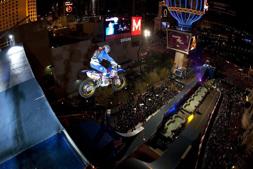 robbie-maddison-new-year-no-limits-jump.jpg