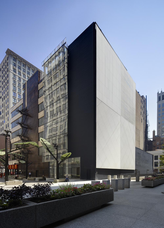 11_w_quincy_GSA_department_labor_chicago_corner_facade.jpg