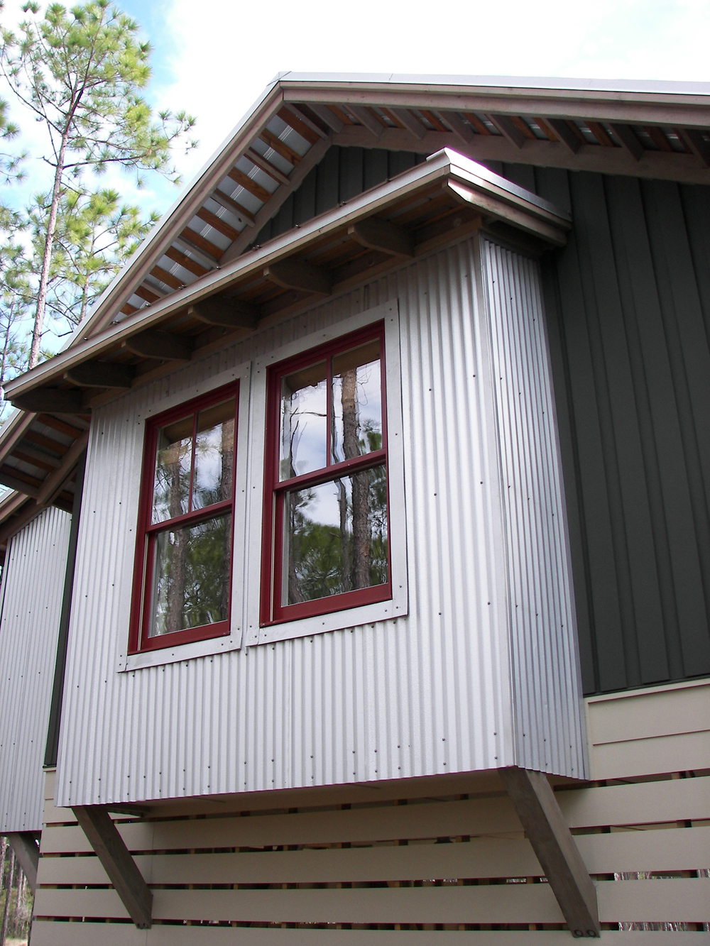 treehouse_rivercamps_panama_city_florida_metal_siding_detail.jpg