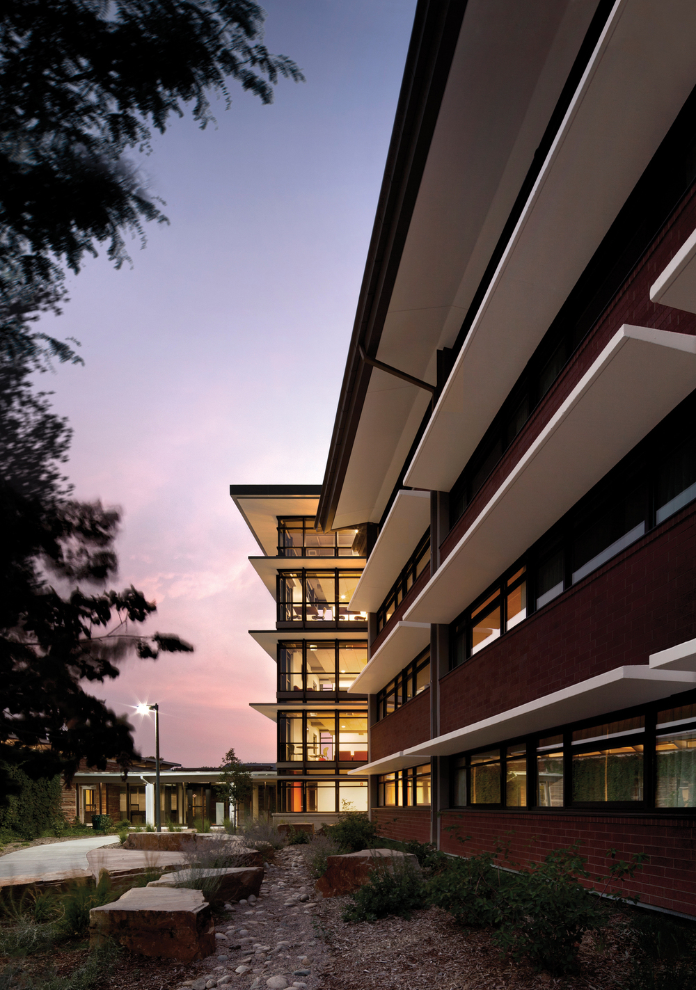 colorado_state_university_fort_collins_parmelee_hall_exterior_windows.jpg