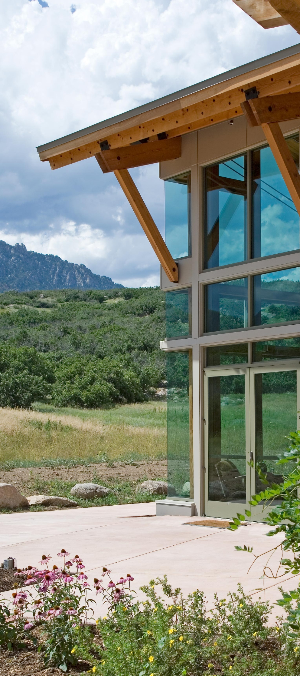 cheyenne_mountain_visitor_center_corner_detail.jpg