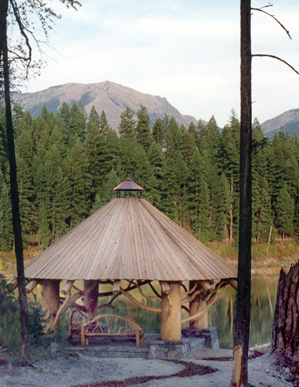 horseshoe_lodge_pavilion_gazebo.jpg