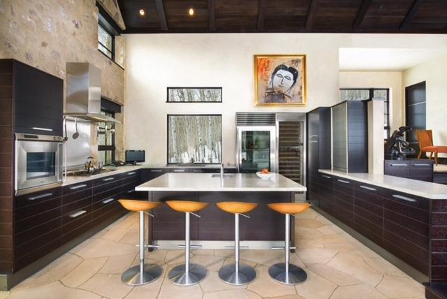 mountain_star_II_kitchen_bar.jpg
