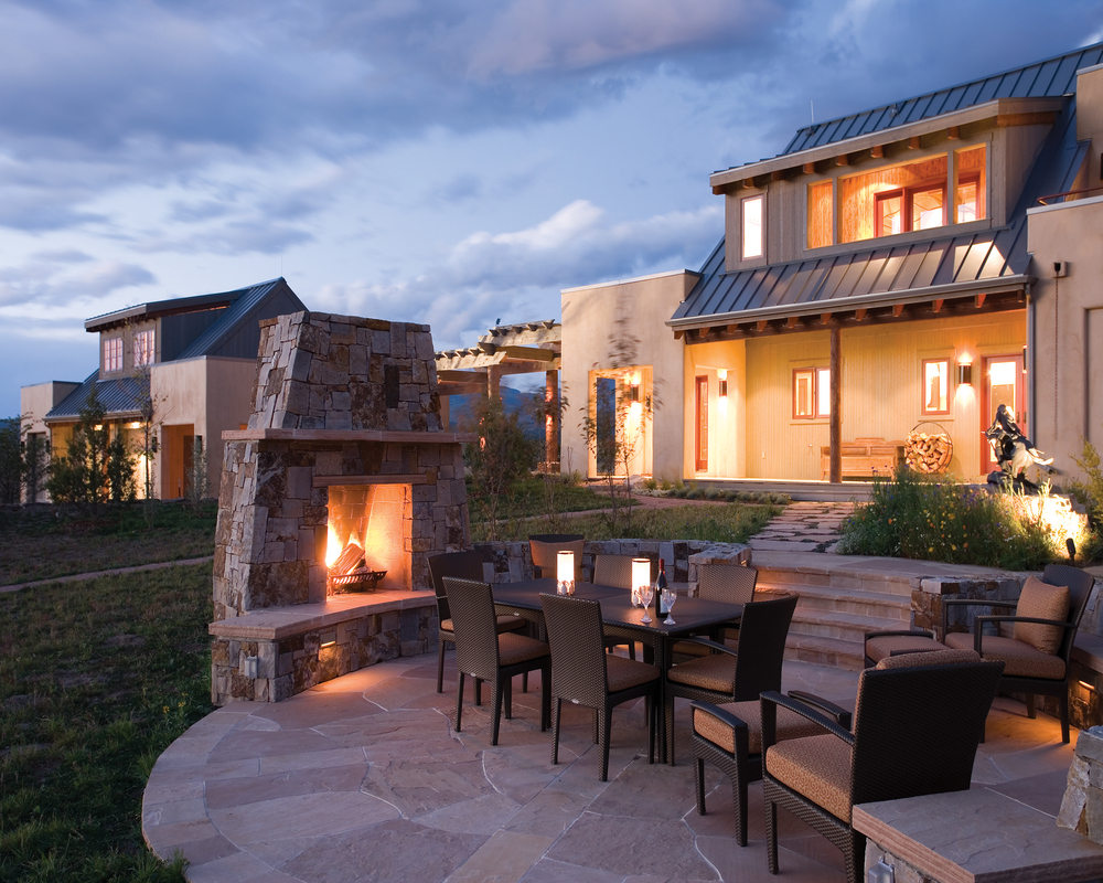 southern_colorado_modern_adobe_fireplace.jpg