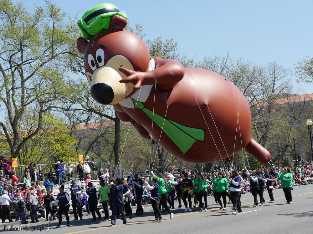 Yogi the Bear balloon