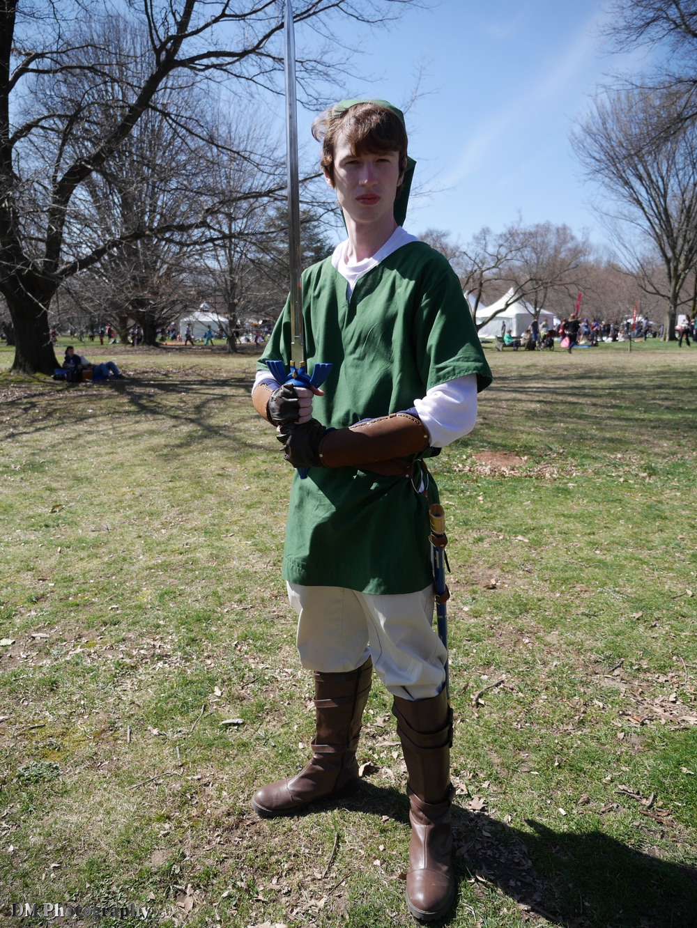 Link cosplayer from the Legend of Zelda