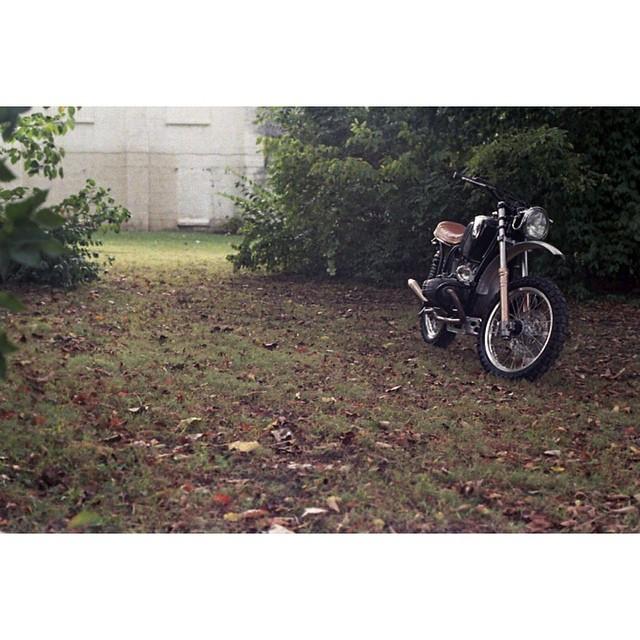 Sneak peek of @chuckshirock's '72 R75/5. Photo by @dead_co. #AtlasMoto