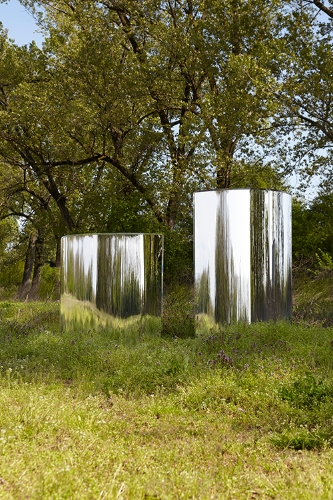 The ephemeral Prism partition by Tokujin Yoshioka for Glas Italia.