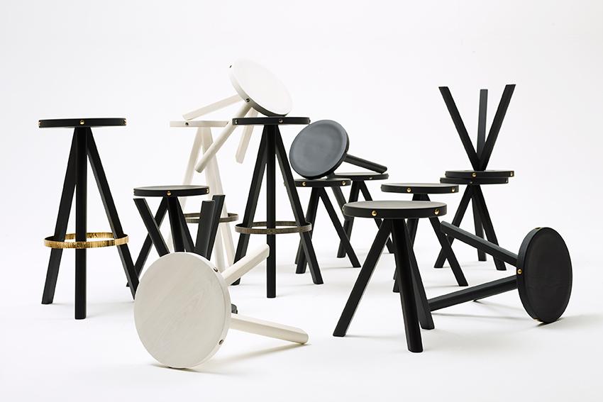 1.6-Degabello---stoolLR.jpg