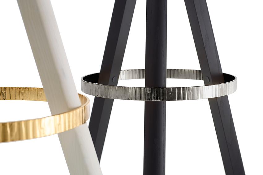 1.4-Degabello---stoolLR.jpg