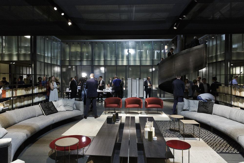 Streets of Milan 2017 - d — Milan News 2017 - Space Furniture