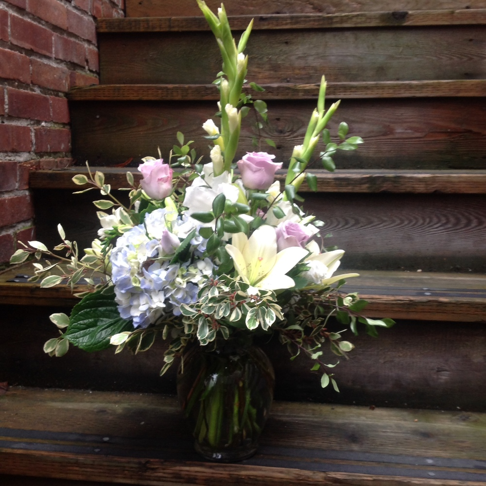 1. Tall and Grand Pastel Spring Bouquet