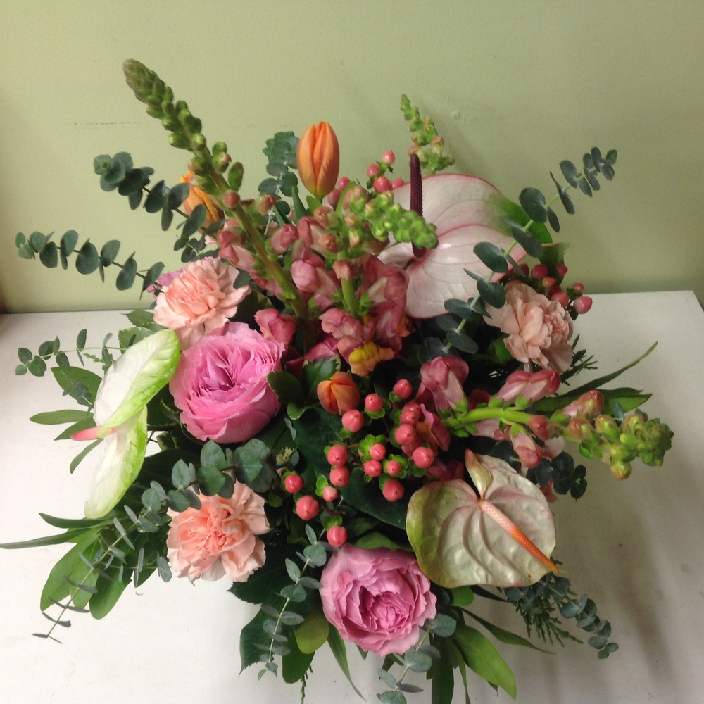 15. Peach and Pink Tropical vibe Centerpiece