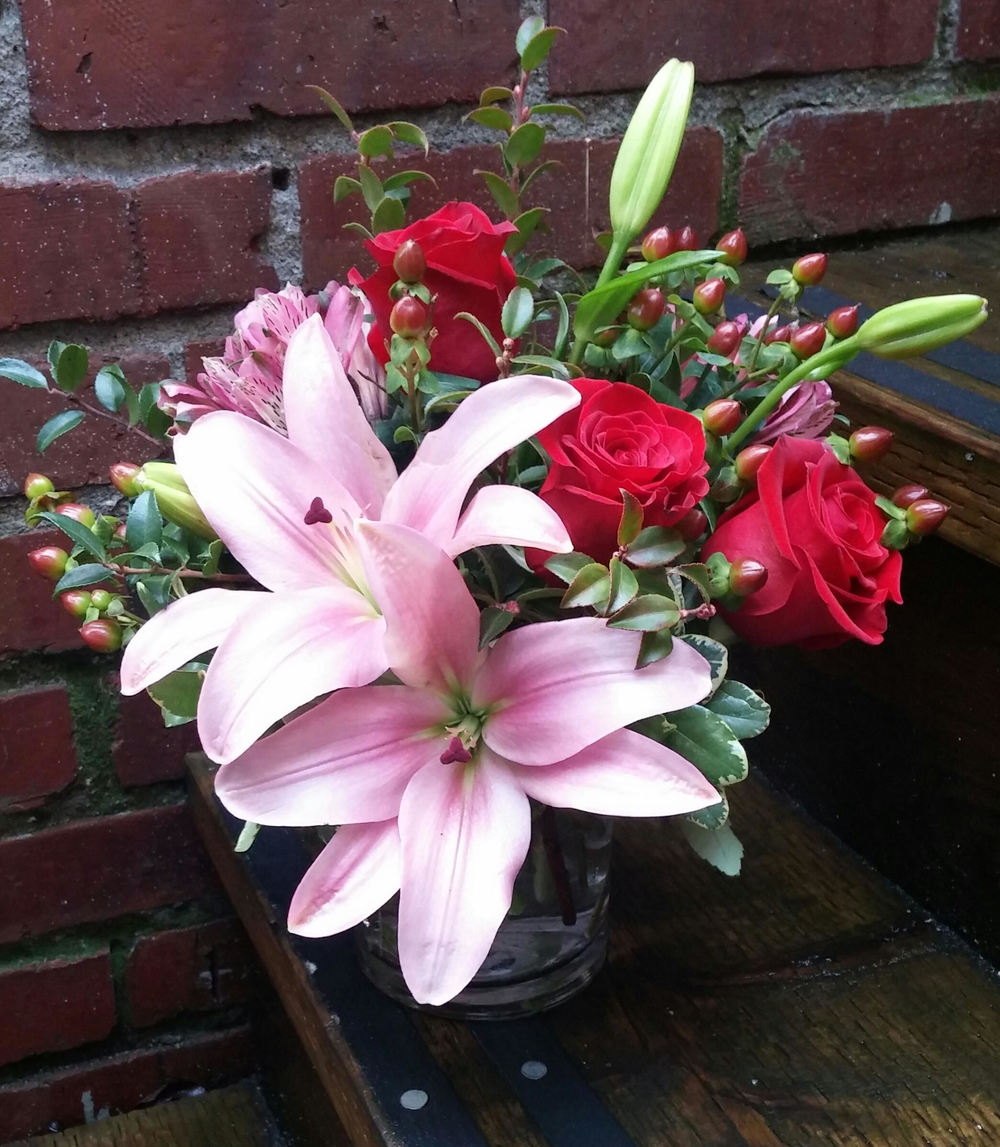 18. Traditional Romantic Pink and Red Bouquet with Lilies