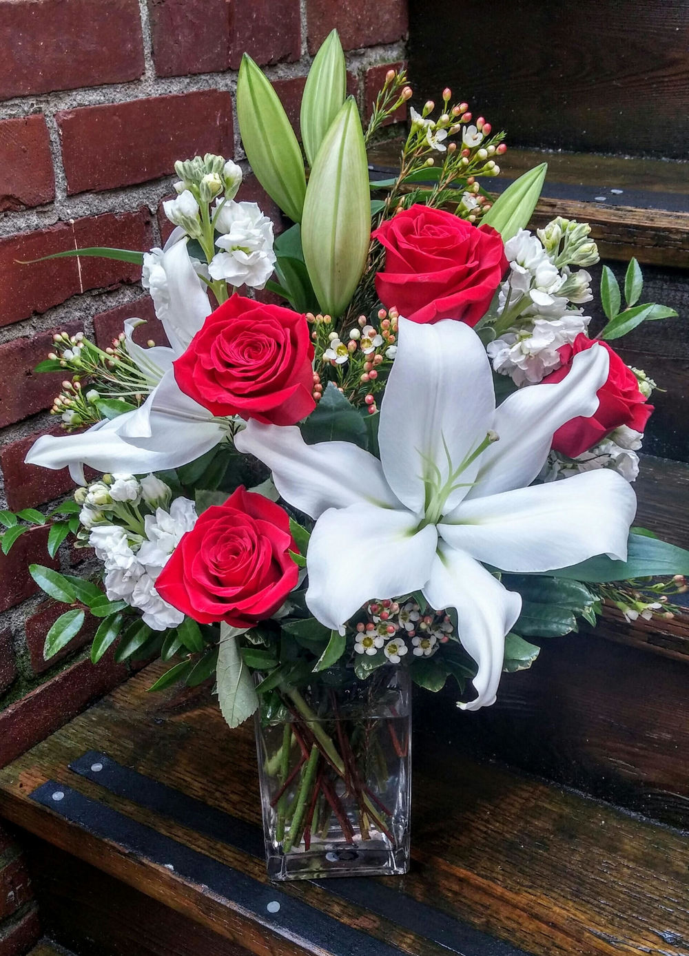 17. Traditional Romantic White and Red Bouquet