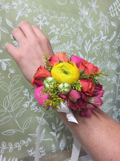 Wearable Flowers & Wrapped Bouquets — Flower Lab