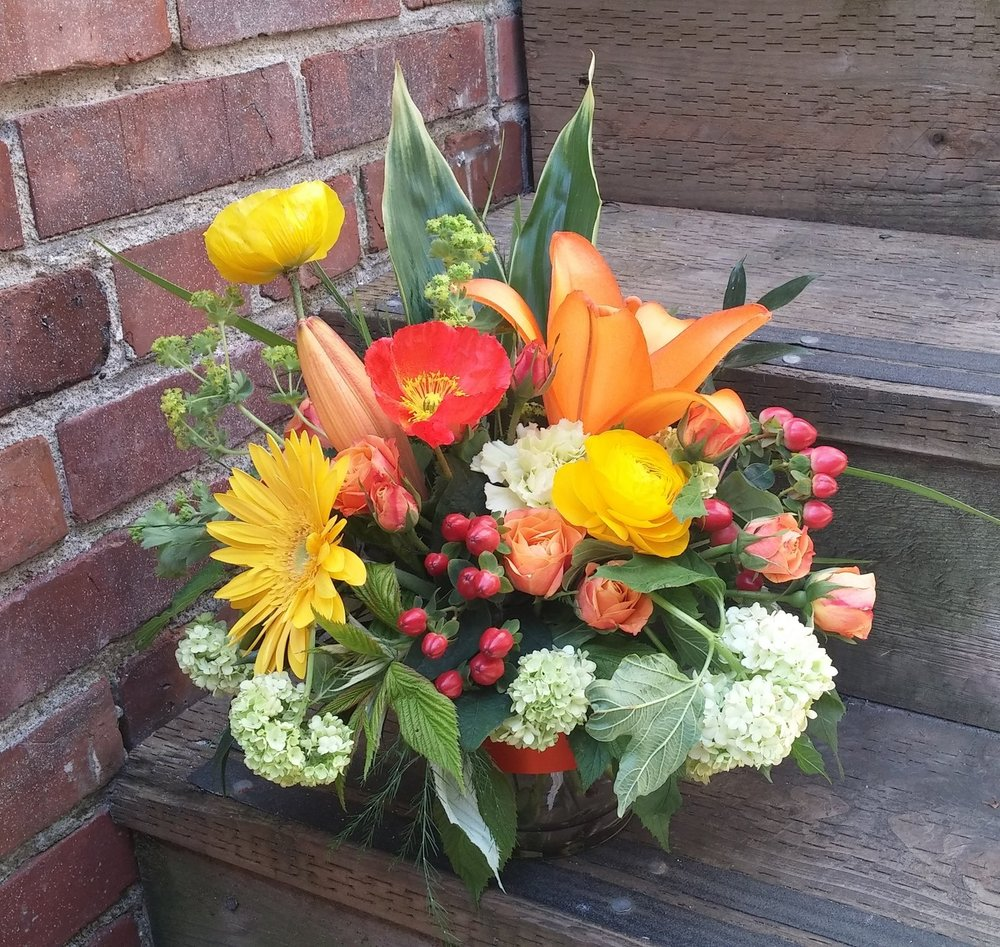 11. Warm evening sun bouquet with gerbera