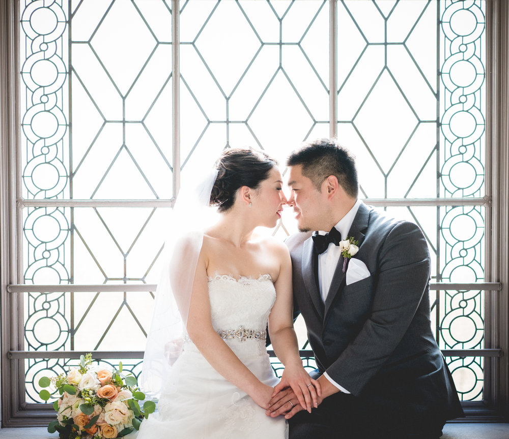 FEATURE WEDDING - Come see our winter wedding photo session withGozo & Yuka around the heart of San Franciso.