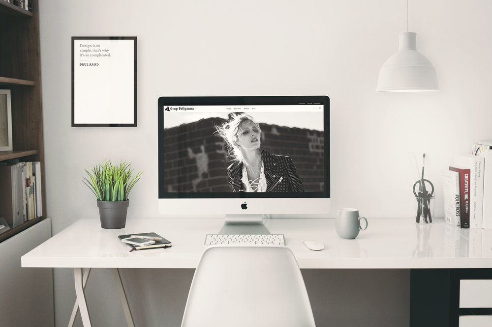 pollyanna-web-office-mockup.jpg