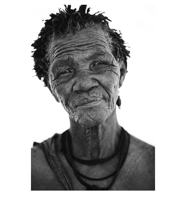 San elder from the Kalahari Desert, Bostwana 2010.  Photograph by Boo George. #ancientwisdom #jewelsofthekalahari  #weavingdivinityintomatter #zezecollective