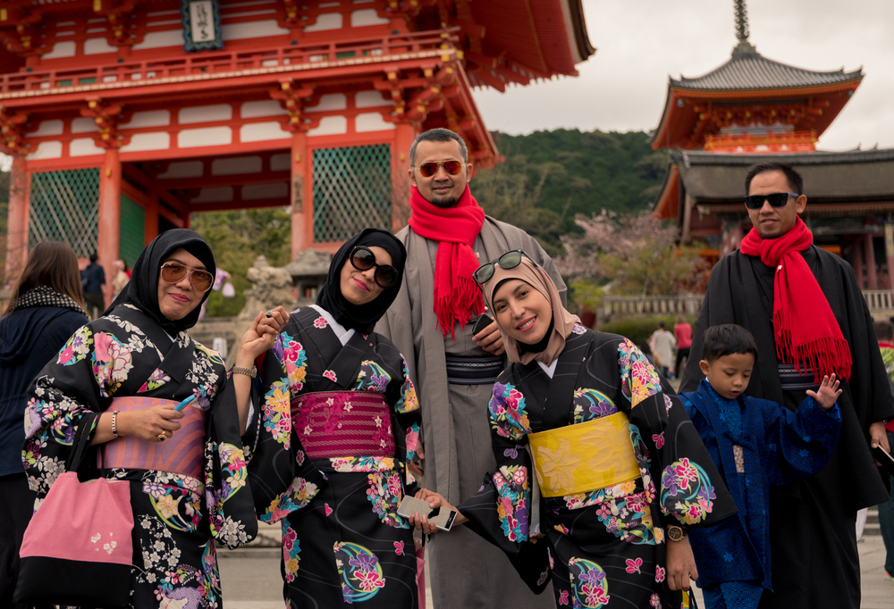Indonesian Family at Kyomizudera Temple, Kyoto.