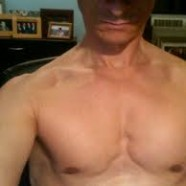 Anthony-Weiner-Chest-Pic-186x186