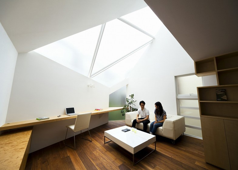 Tokyo House by Atelier Tekuto 1.jpg