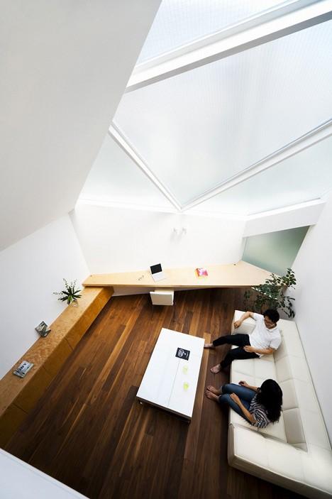 Tokyo House by Atelier Tekuto.jpg
