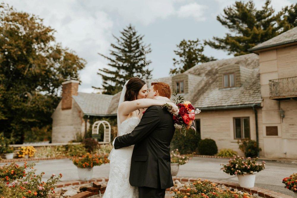17-09-15 Lindsey and Brandon Wedding Edited-341_WEB.jpg
