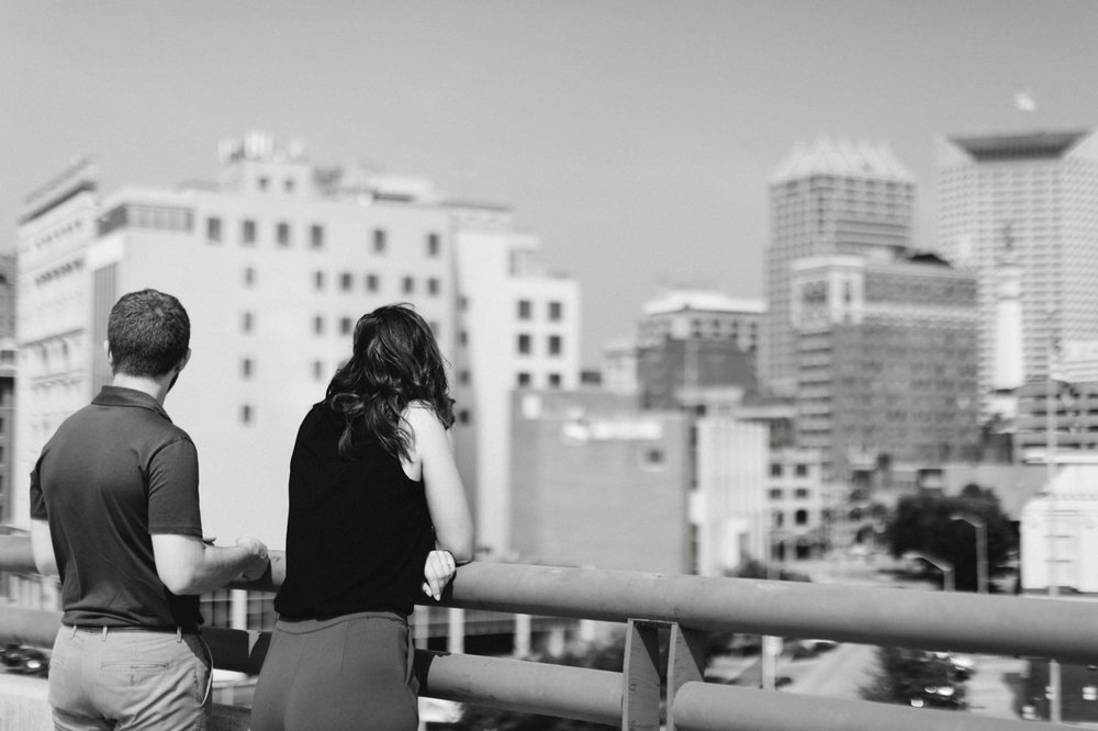 downtown-indianapolis-engagement-session-rooftop-indianapolis-engagement-photographer-kelly-marcelo-photography013.JPG