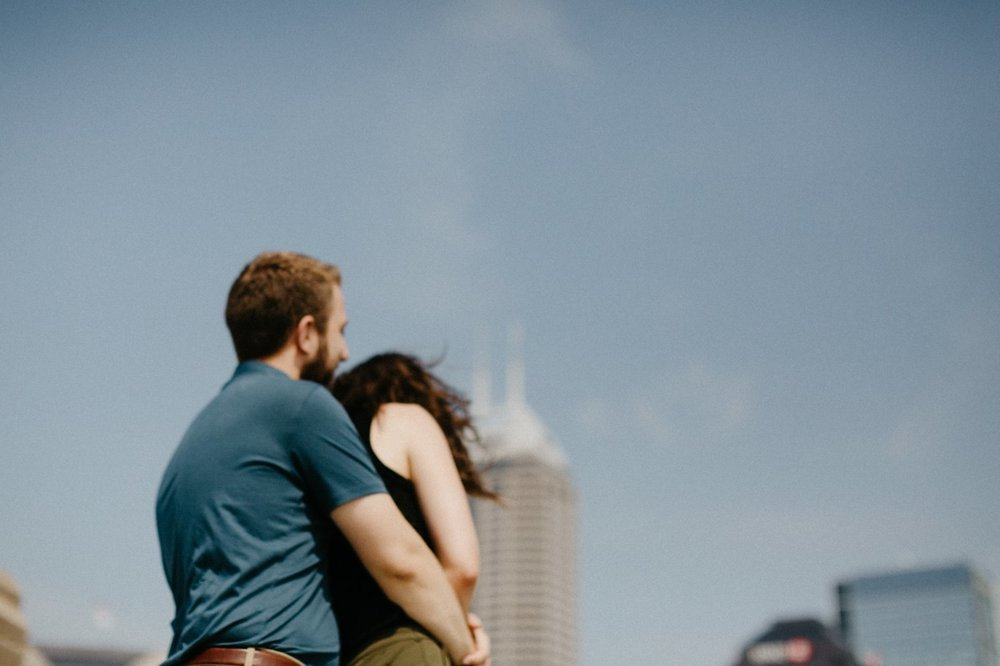 downtown-indianapolis-engagement-session-rooftop-indianapolis-engagement-photographer-kelly-marcelo-photography019.JPG