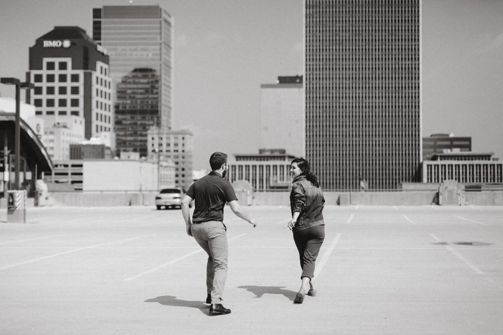 downtown-indianapolis-engagement-session-rooftop-indianapolis-engagement-photographer-kelly-marcelo-photography030.JPG