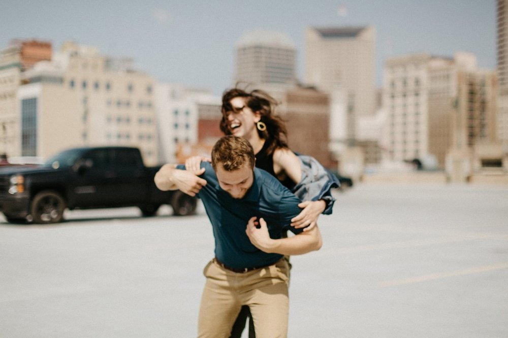 downtown-indianapolis-engagement-session-rooftop-indianapolis-engagement-photographer-kelly-marcelo-photography032.JPG