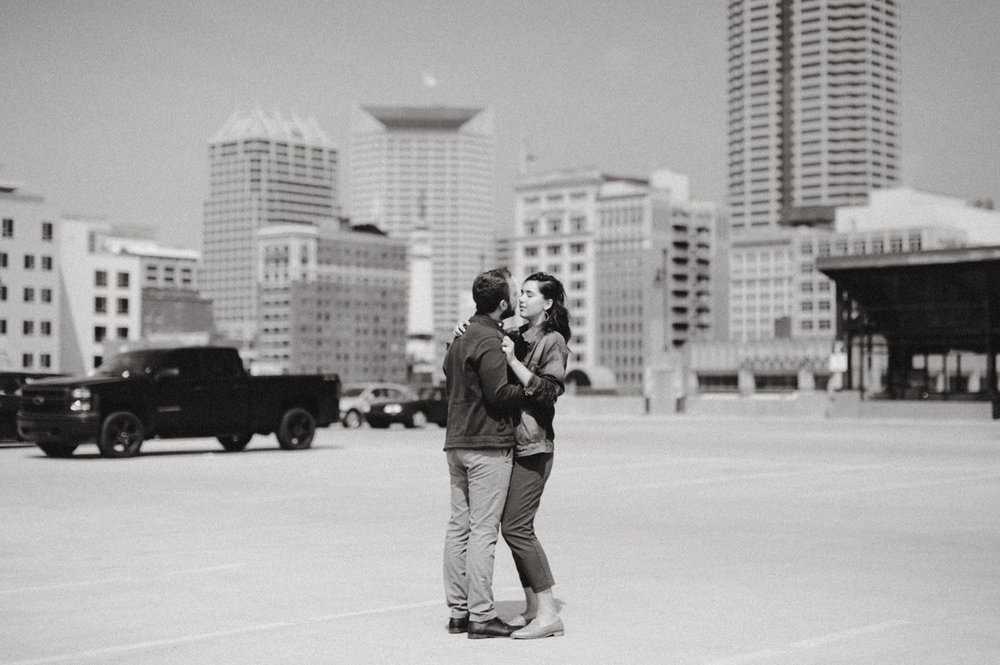 downtown-indianapolis-engagement-session-rooftop-indianapolis-engagement-photographer-kelly-marcelo-photography037.JPG