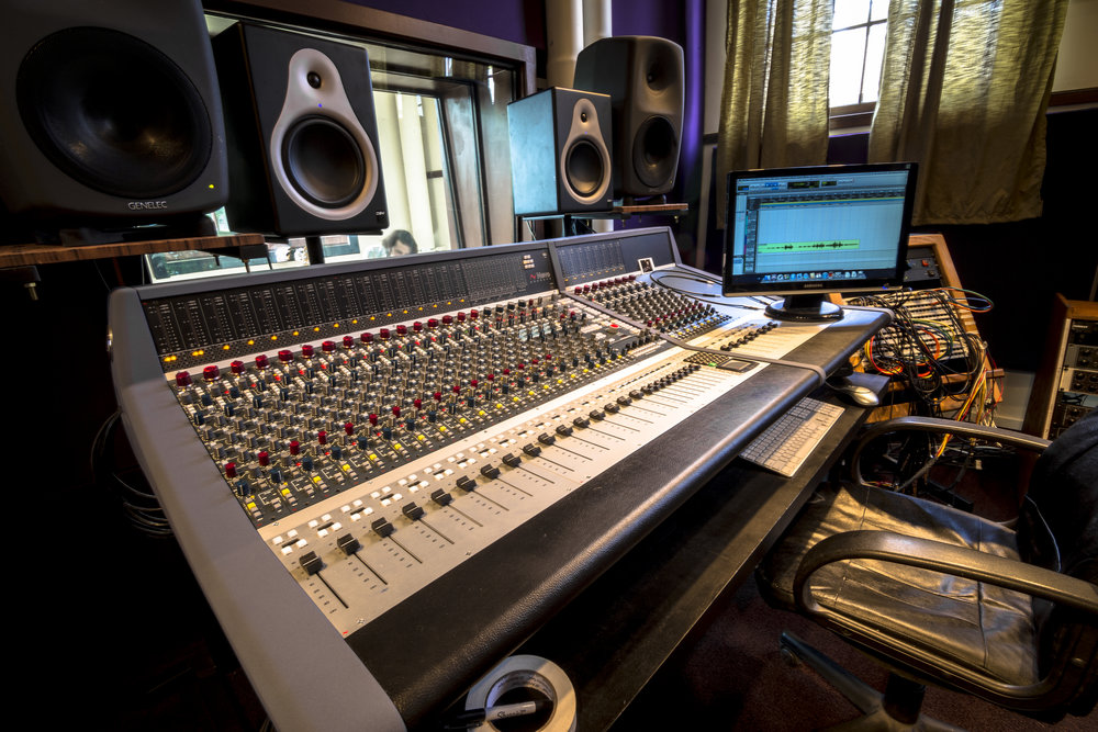Neve Genesys Console