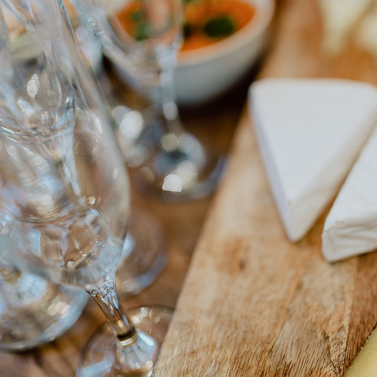 sydney-wine-centre-cheese-wine-glasses-750px.jpg