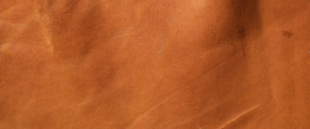 VINTAGE BROWN   - A beautiful vegetable tanned cow shoulder hide, its mid brown colour will quickly change as it acquires a patina to earn its vintage name.