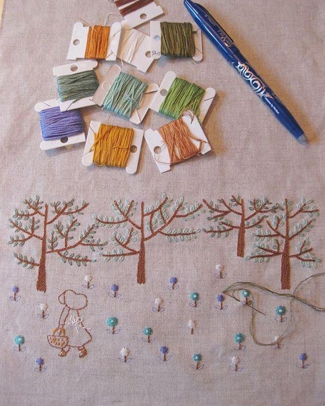 Cada mañana me levanto, miro por la ventana y.... no, parece que hoy tampoco va a nevar. Sinceramente a mi me da un poco igual pero sé que a June le haría ilusión hacer un muñeco de nieve. Así que a ver si nieva ya de una vez y nos lo sacamos de encima.🤣😂 #tallerdorsy #bodado #bordados #bordadoamano #diy #handmade #hechoamano #broderie #brodeuse #embroiderylove #embroidery #artesania #embroidelicious