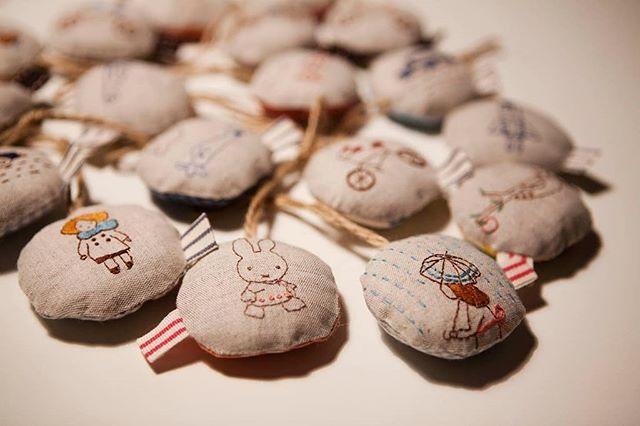 A estas horas como si no hubiese pasado nada. Ni rastro de nieve... #tallerdorsy #bodado #bordados #bordadoamano #diy #handmade #hechoamano #broderie #brodeuse #embroiderylove #embroidery #artesania #embroidelicious