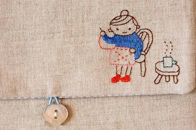 En un domingo de lluvia, un poco de costura y una infu calentita.  #tallerdorsy #bodado #bordados #bordadoamano #diy #handmade #hechoamano #broderie #brodeuse #embroiderylove #embroidery #artesania #embroidelicious
