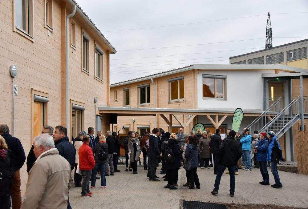 Insgesamt 175 Personen finden eine Bleibe in der neuen Unterkunft in der Bauhofstraße. (Foto: Gerald Förtsch)
