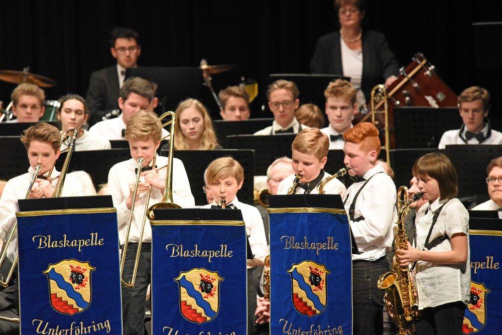Nachwuchsmusiker der Blaskapelle Unterföhring.